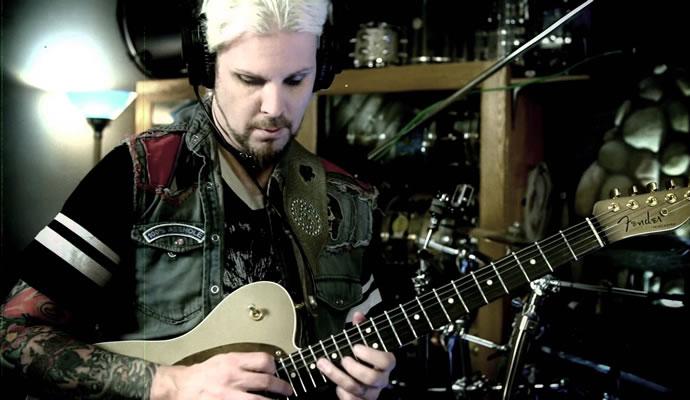 (31/07/1971) Nació John William Lowery, guitarrista que ha trabajado con Marilyn Manson y Rob Zombie