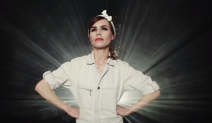 (06/09/1974) Nació Nina Persson de The Cardigans.