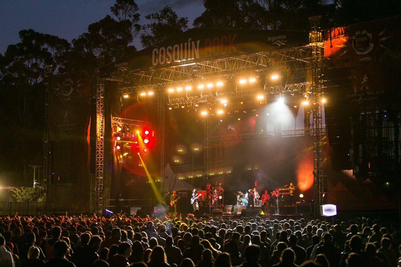 Cosquín Rock Argentina - Fotografia tomada de fan page oficial para Colombia