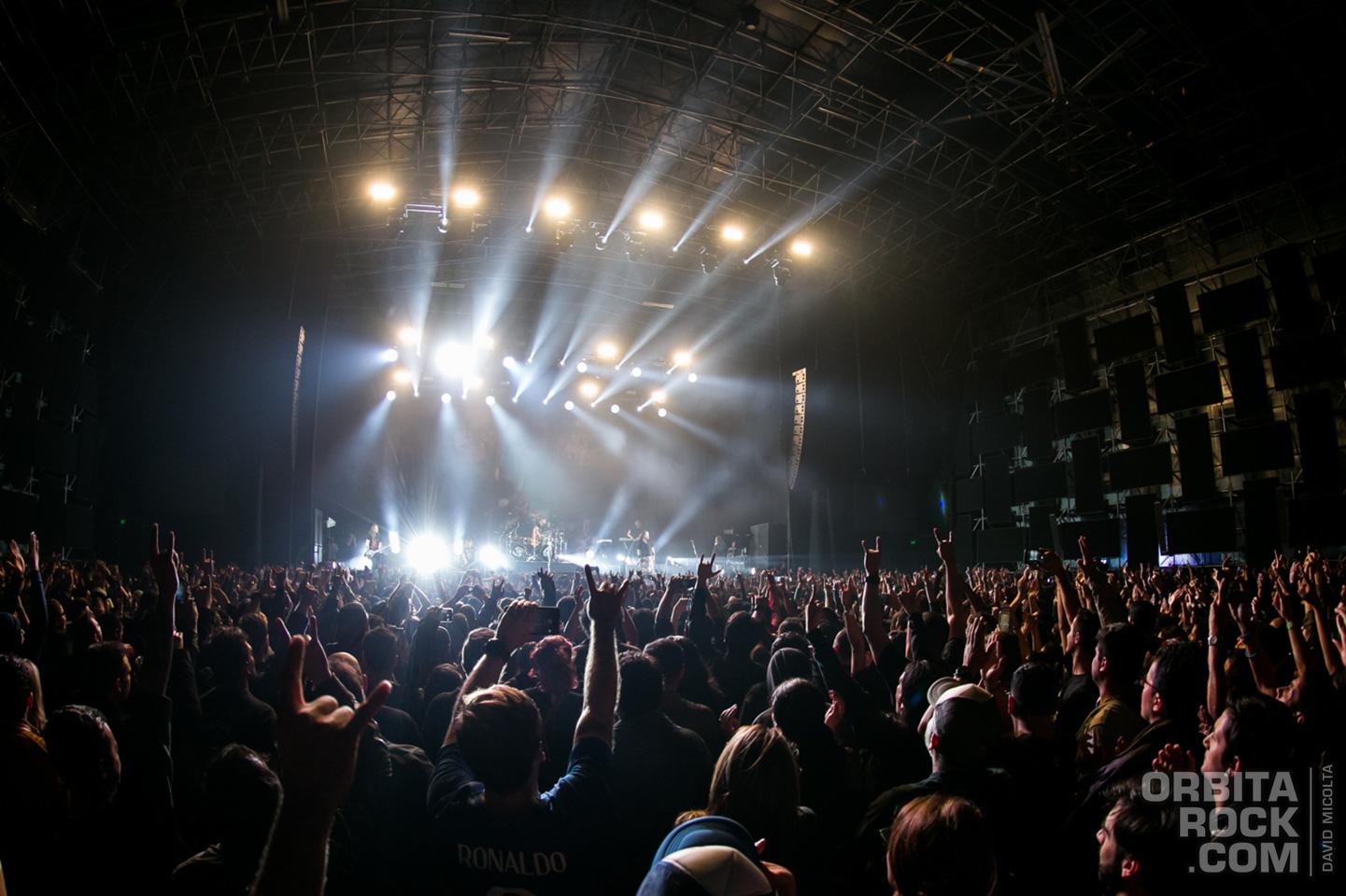 Korn regresó a Bogotá
