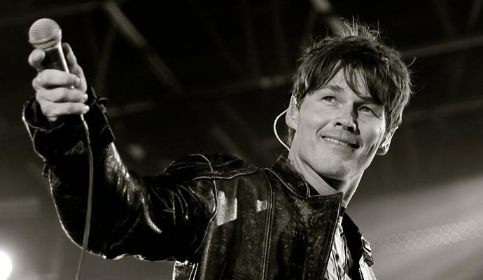 Morten Harket, vocalista del trio noruego A-ha.