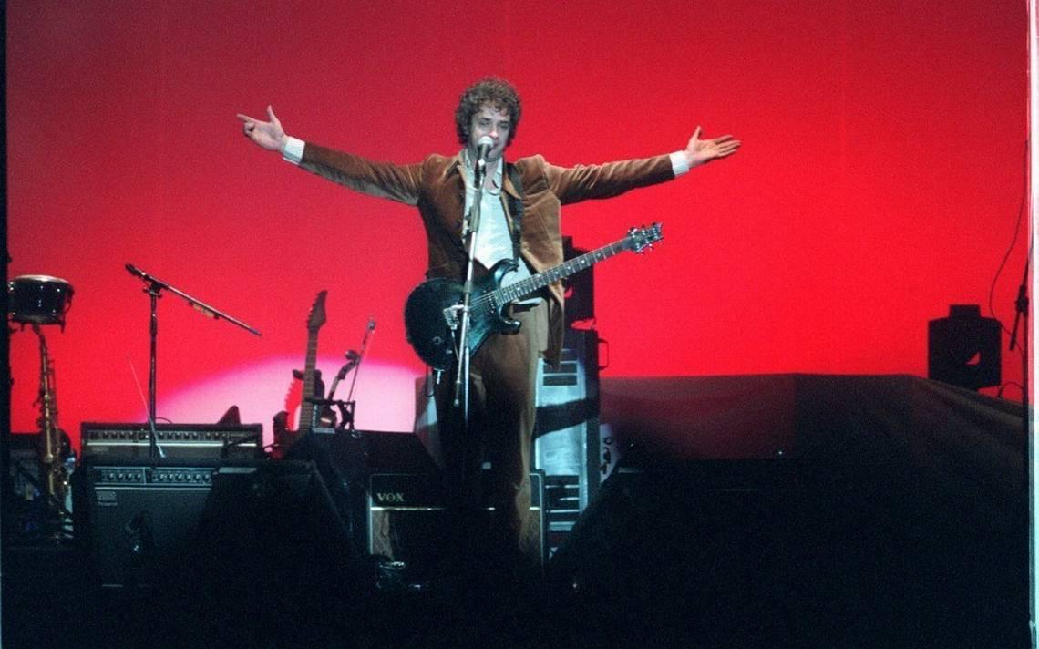 Gustavo Cerati en el concierto de Soda Stereo en 1997