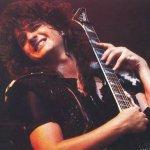 El 5 de abril de 2007 murió Murió Mark St. John quién fue guitarrista de Kiss en 1984