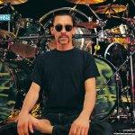 En 1953 nacióAlex Van Halen, baterista de Van Halen.