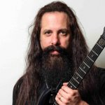 El 12 de julio de 1967 nació John Petrucci de Dream Theater