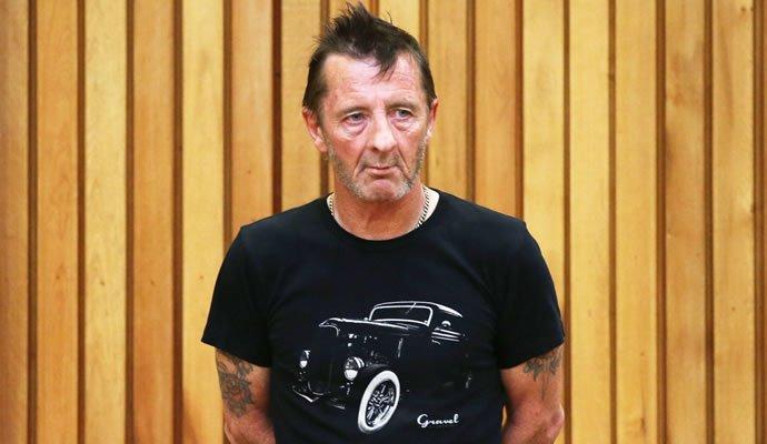 Phil Rudd ex-baterista de AC/DC en el tribunal