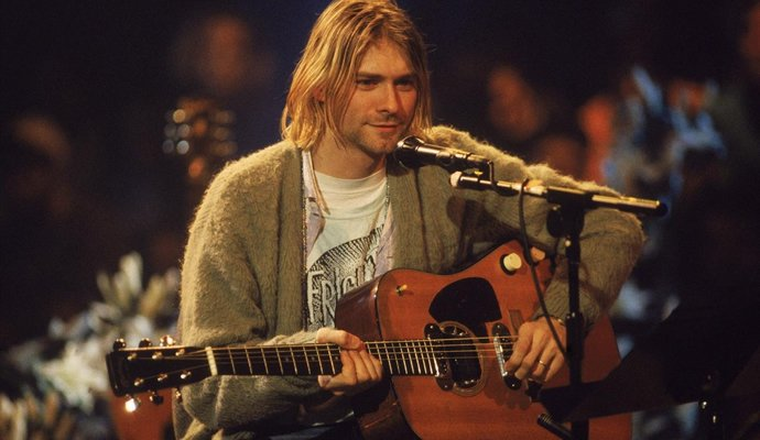 Guitarra Martin D-18E usada por Kurt Cobain en el Unplugged in New York