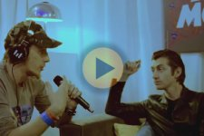 Video de Arctic Monkeys en su tour por Suramerica