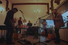 Oh'laville presenta su nueva canción Las Torres