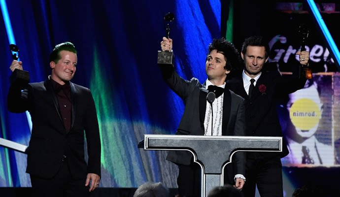 Green Day en su inducción al Salon de la Fama del Rock N Roll (Foto:Telemundo51)